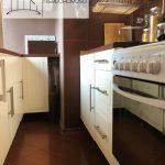 Mieszkanie na sprzedaż, Łódż Bałuty, 2 pokoje, kuchnia. Widok na szafki kuchenne.