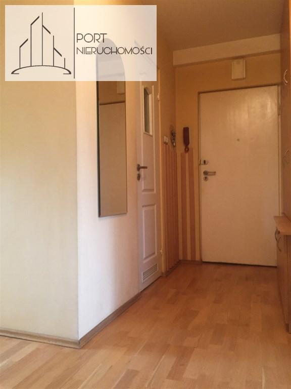 lodz-zubardz-mieszkanie-trzy-pokoje-port-nieruchomosci-przedpokój