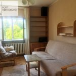 lodz-zubardz-mieszkanie-trzy-pokoje-port-nieruchomosci-wiekszy pokój z widokiem z kien na dwie strony
